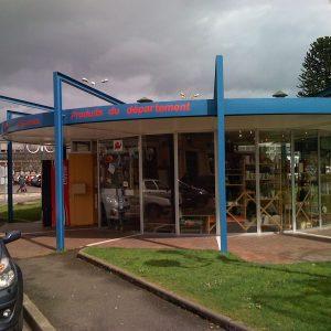 shop at Angouleme trainstation