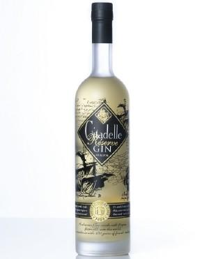 Gin-aged-oak-barrel