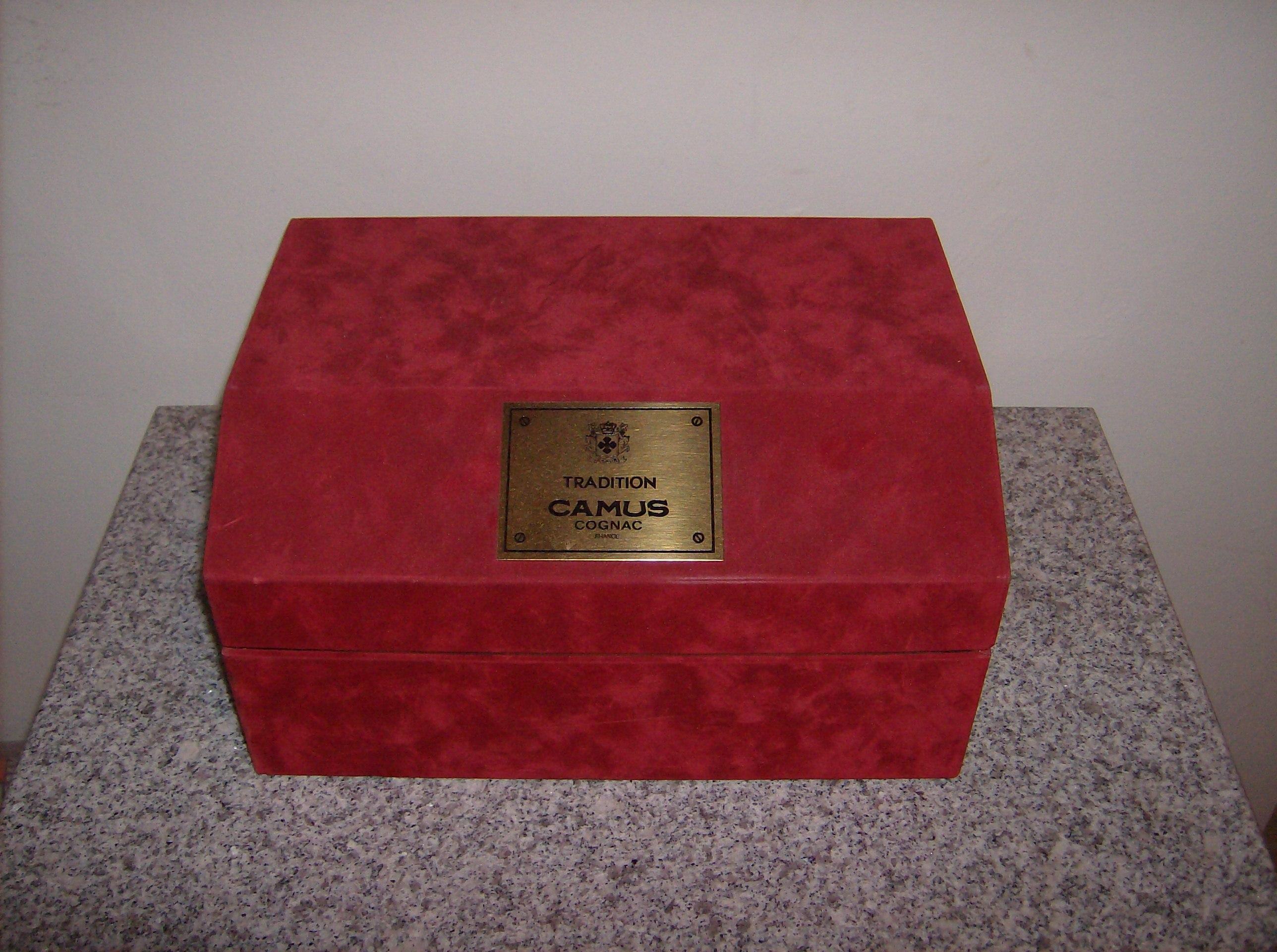 Tradition Camus Cognac box