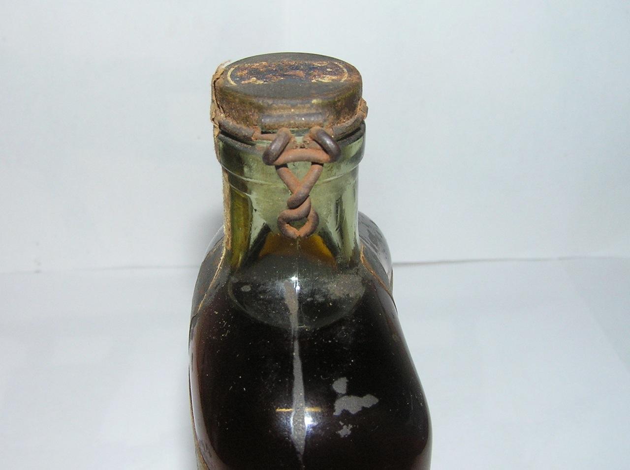 Martell bottle neck old