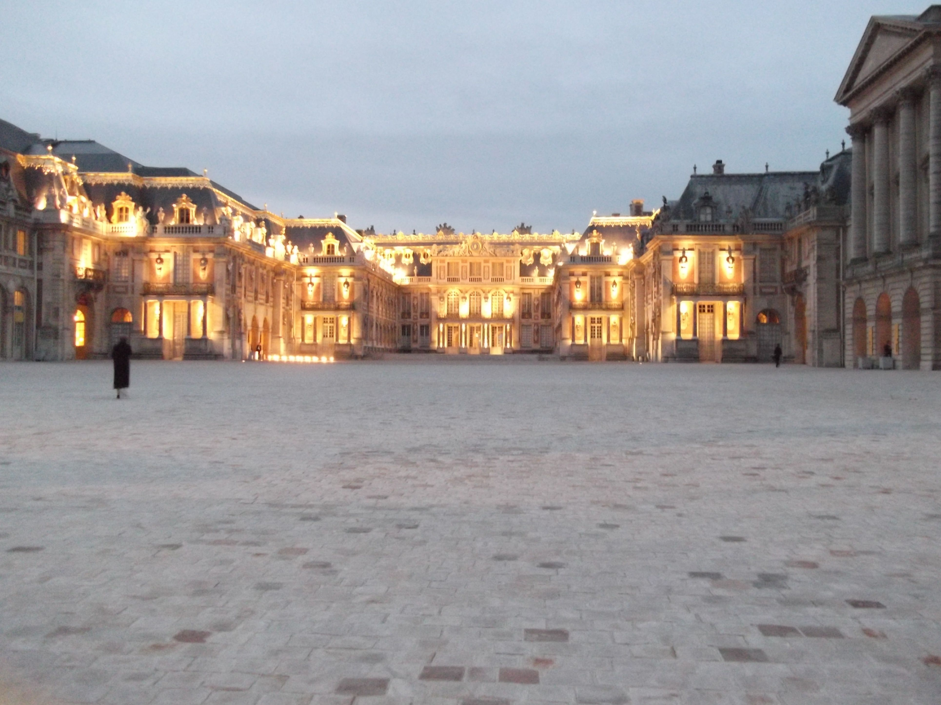 Arrival at Versailles