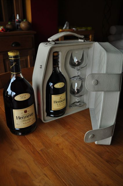 Hennessy VSOP Privilege set with snifters