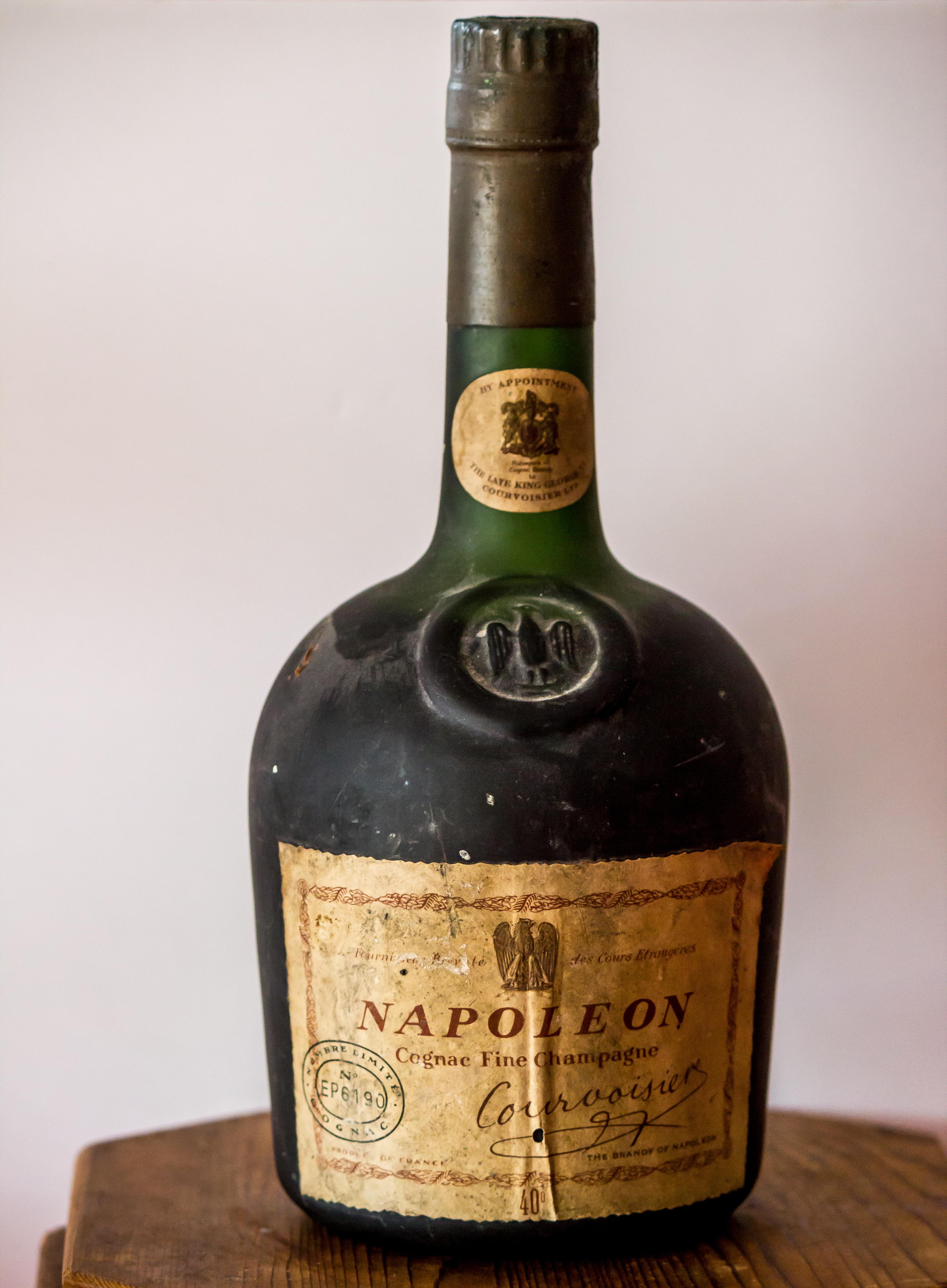 courvoisier napoleon fine champagne cognac for sale cognac expert the cognac blog about. Black Bedroom Furniture Sets. Home Design Ideas