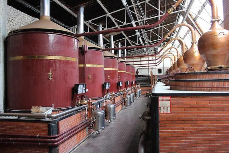 Different stills between Cognac and Armagnac