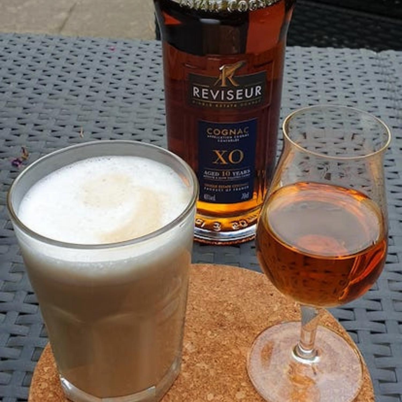 Reviseur XO Cognac enjoyed with a Latte Macchiato