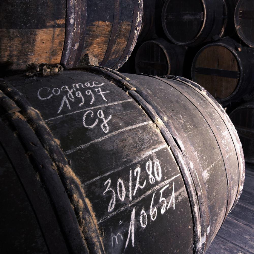 chalk on barrel