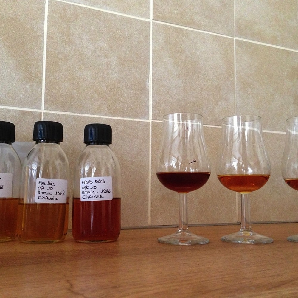 Different cognac colours in samples and glasses