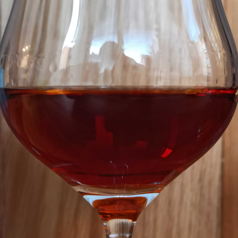 Close up of Mauxion Sélection Multimillésimes Cognac in glass