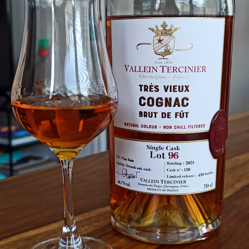 Vallein Tercinier Lot 96 with glass